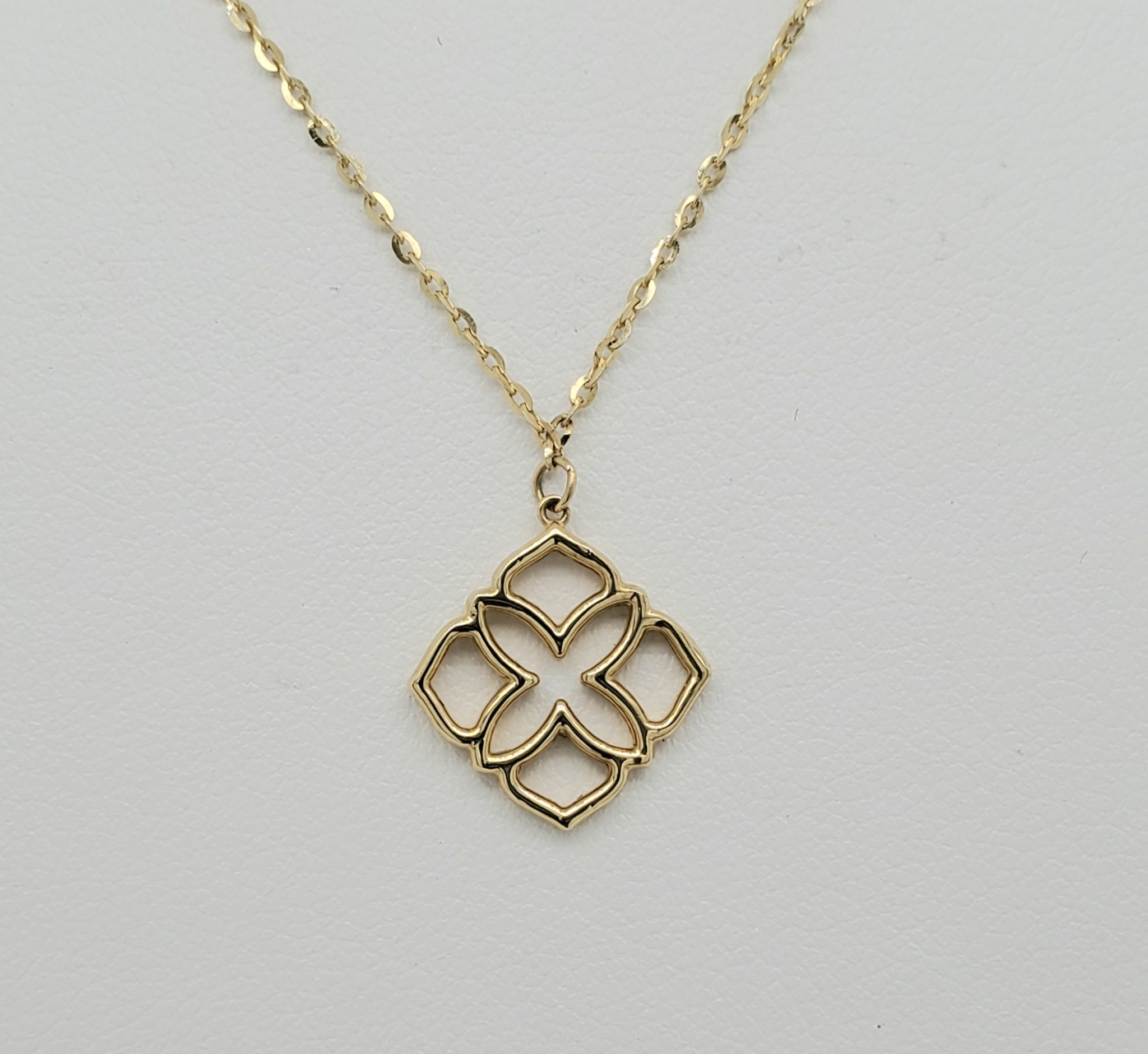 14KT Yellow Gold Flower Necklace