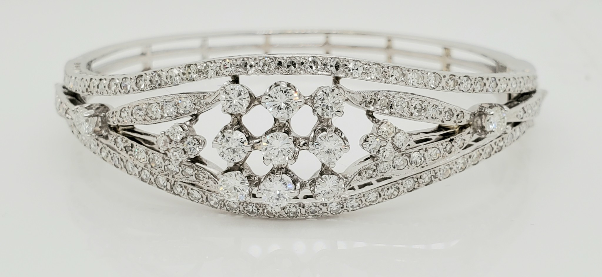 14KT White Gold Vintage Diamond Bangle 3.60 CTTW