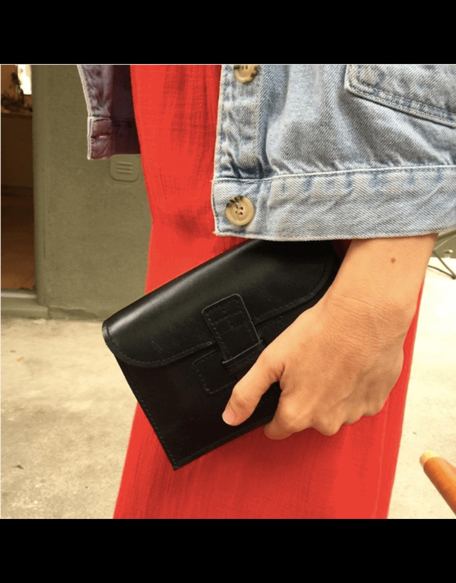 agnes baddoo clutch and belt sac navy