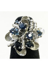 18K White Gold Floral Ring with Sapphires