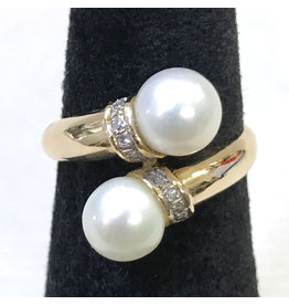 14k Gold Torque Ring with 2 Pearls and Diamonds