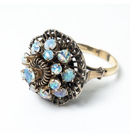 18K Gold Ring with 17 Concentric Opals