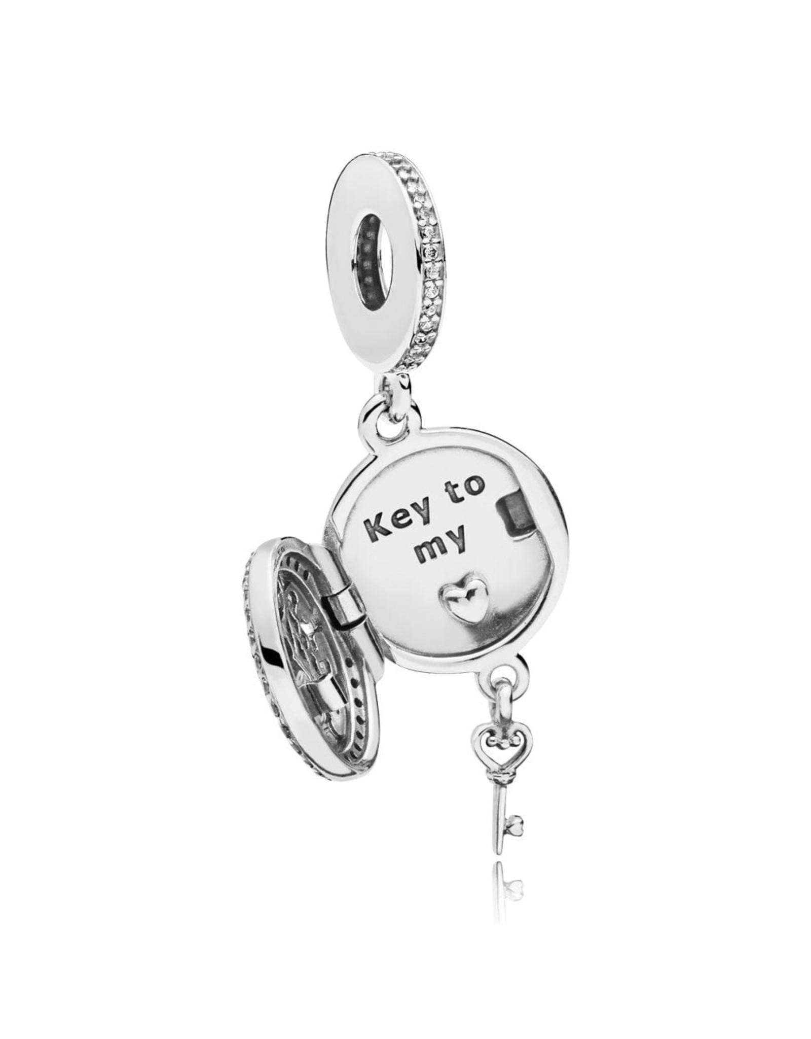 Pandora Pandora Regal Love Key Dangle