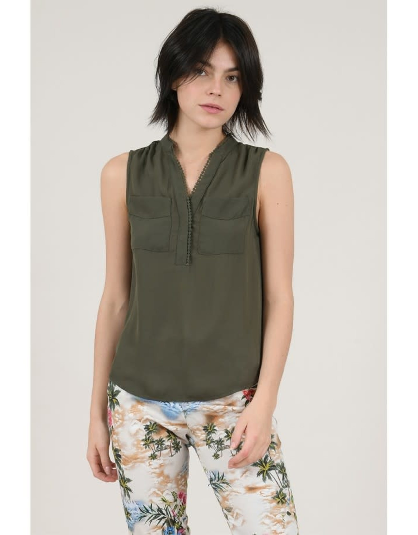 Lili Sidonio Sleevless Blouse Khaki