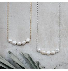 Glee jewelry Elene Necklace, Silver/White Pearl