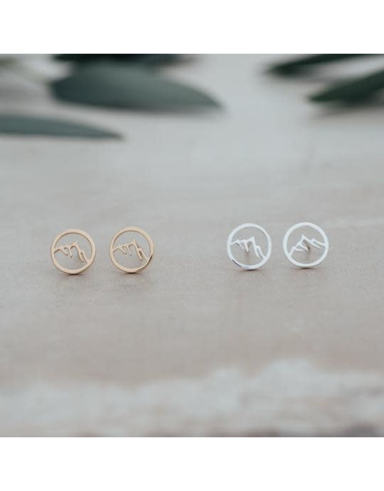 Glee jewelry Snow Cap Studs, Silver