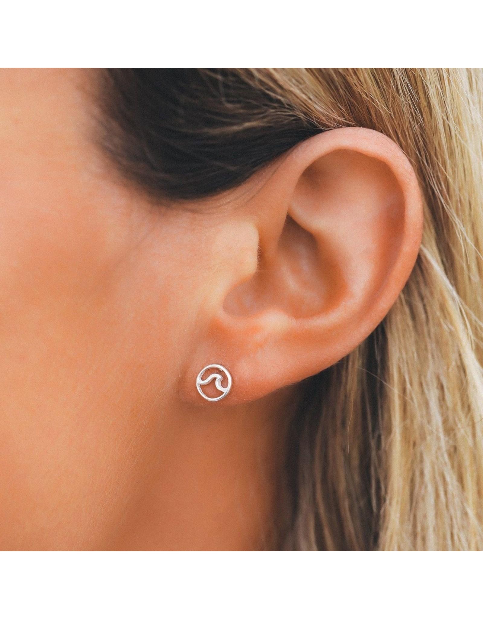 Pura Vida Circle Wave Stud Earrings, Silver