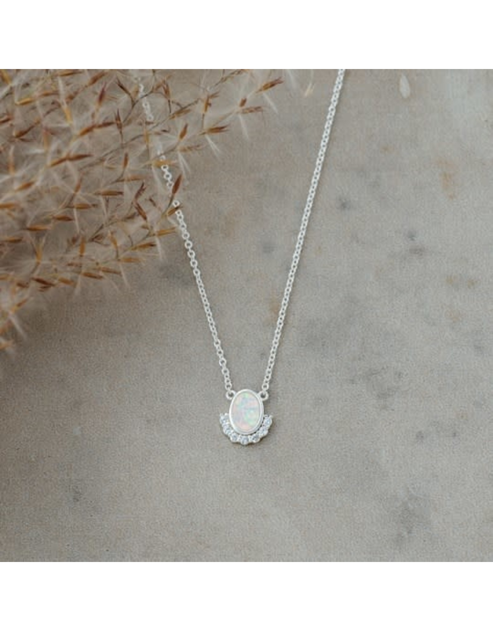 Glee jewelry Madame Necklace Silver/White Opal