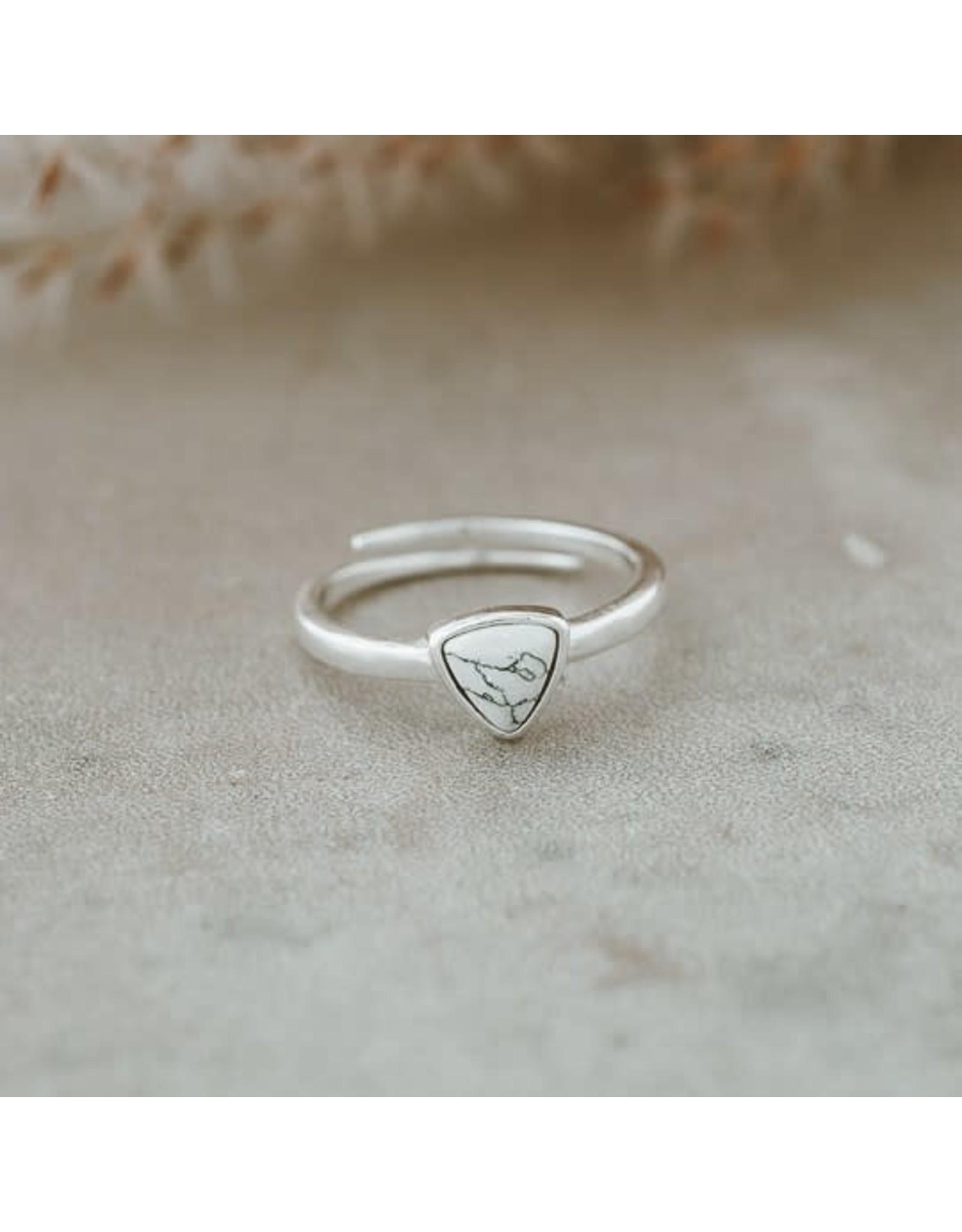 Glee jewelry Mae Ring, Silver/Howlite