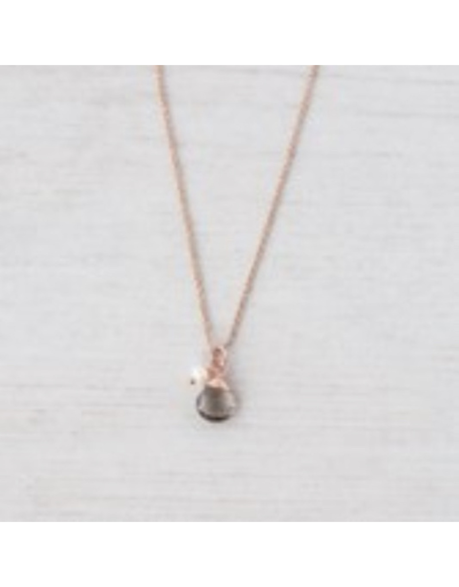 Glee jewelry Anna Necklace/Rose Gold/Smoke/White Pearl