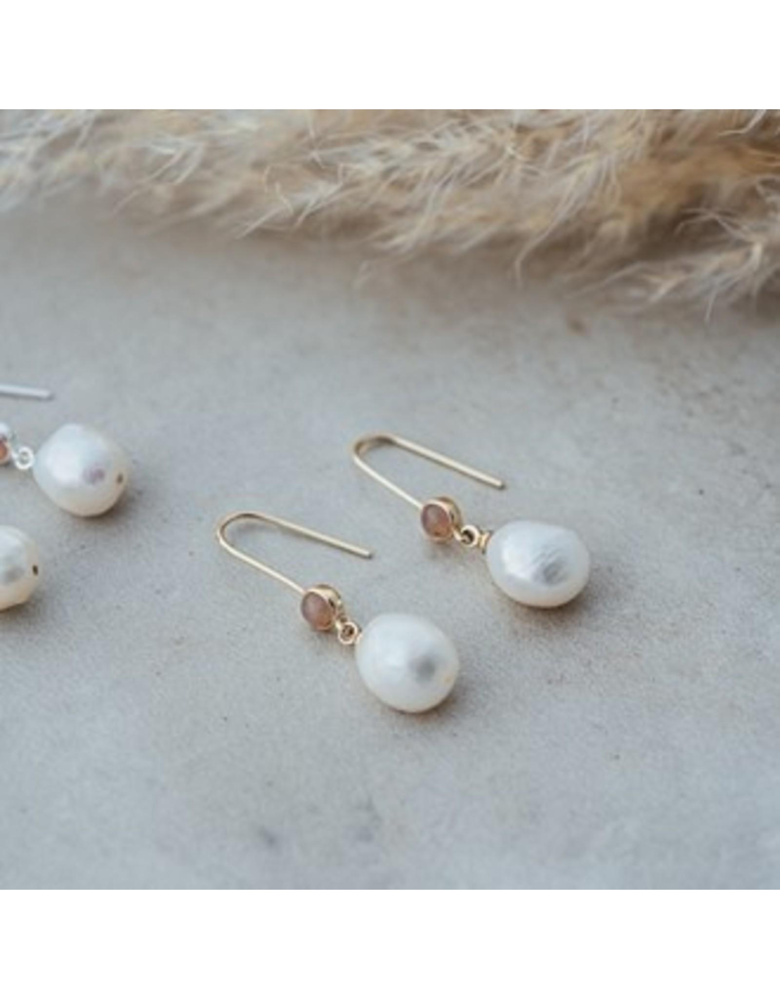 Glee jewelry Beatrice Earrings/Gold/Grey Moon Stone&White Pearl