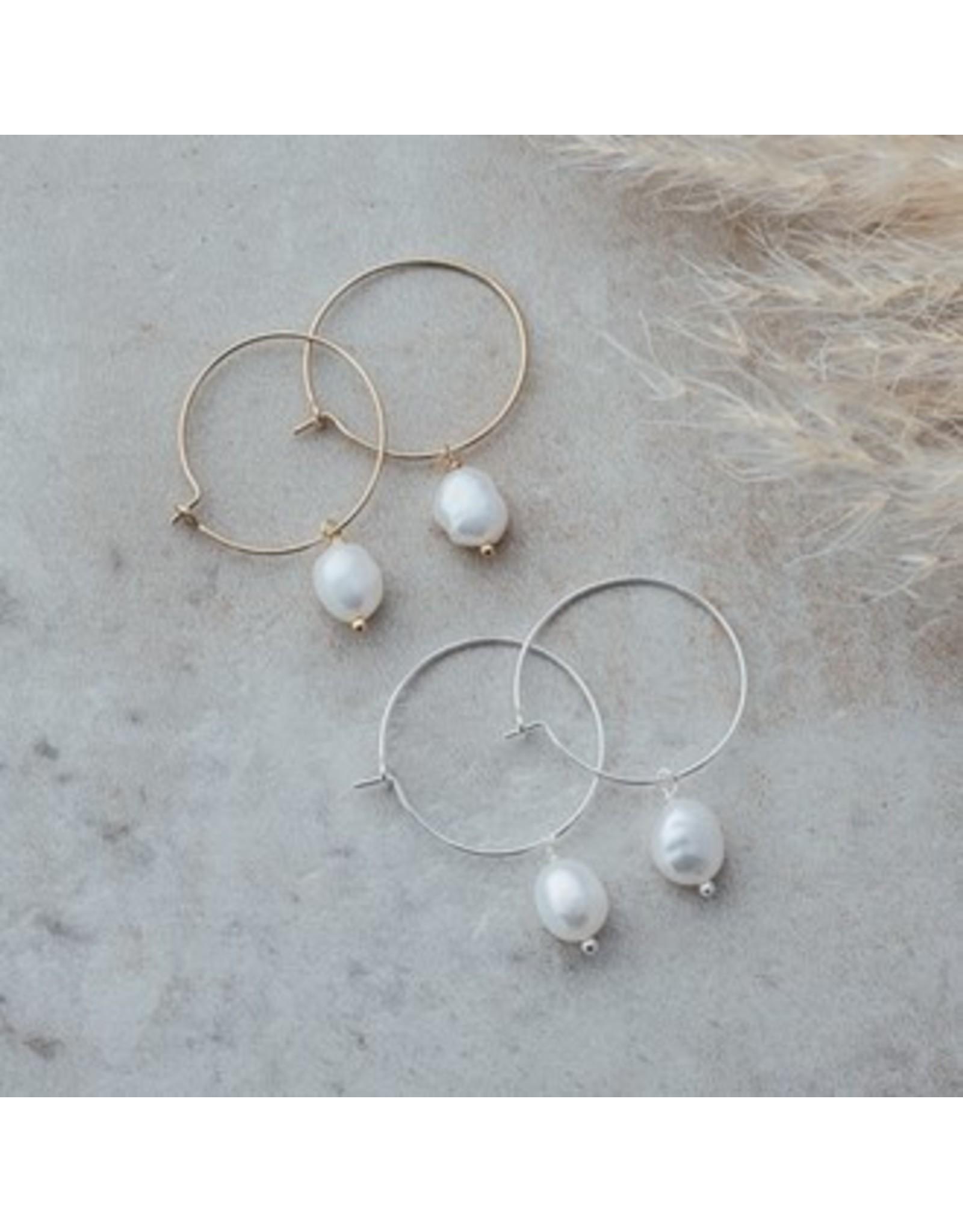Glee jewelry Bellamy Hoops/White Pearl/Silver