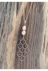 Glee jewelry Mermaid Necklace/Silver/White Pearl