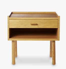 GE 430 bedside table by Hans J. Wegner | Lacquered oak |1 drawer