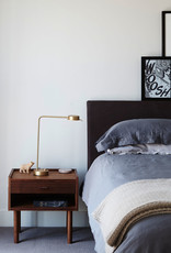 GE 430 bedside table by Hans J. Wegner | Oiled walnut |1 drawer