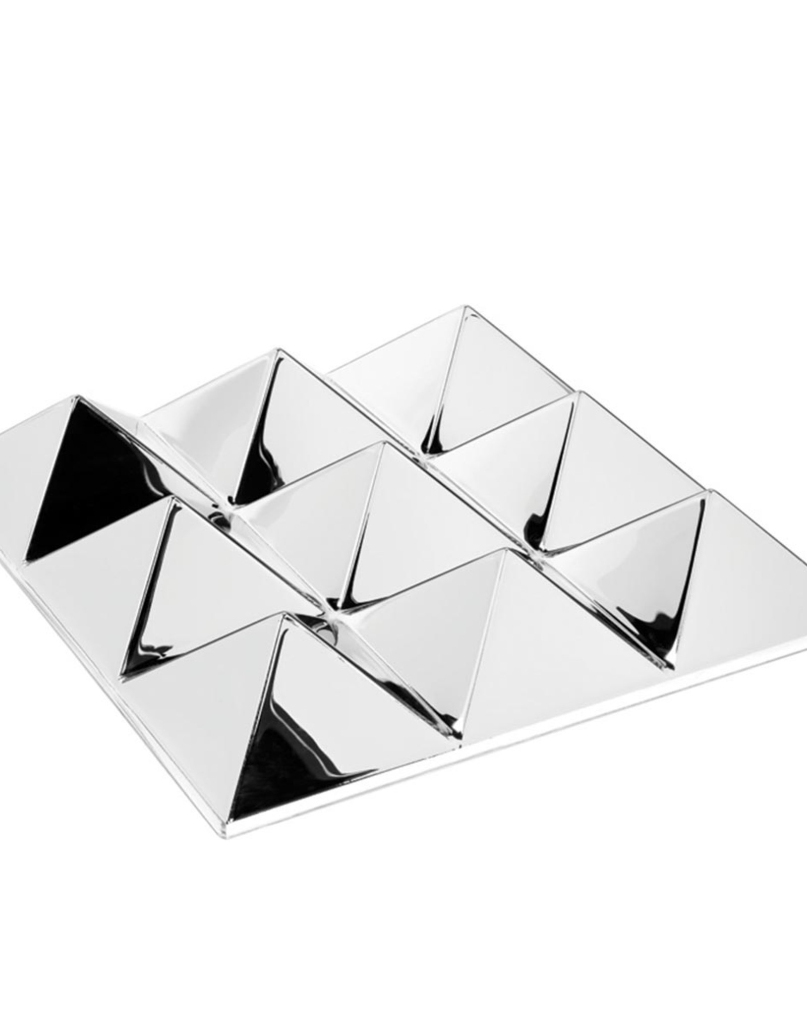 Mirror sculptures by Verner Panton | 9 pyramides