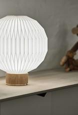 Model 375 table light by Esben Klint | M | Plastic | Oak | Dia33cm x H38cm | 1x E27 800 LM max. 20W LED bulb required