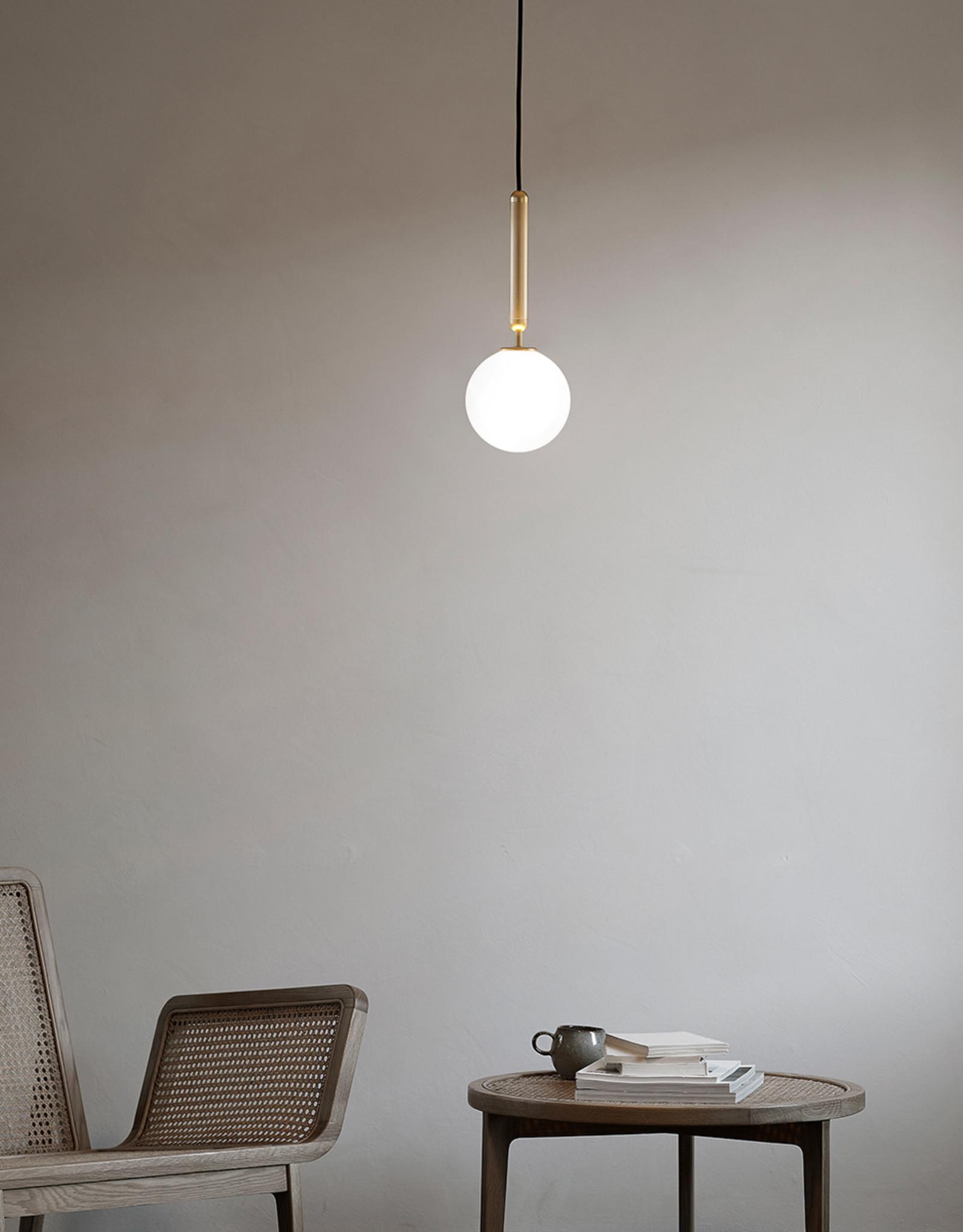 Nuura Miira 1 pendant by Sofie Refer | Brass/opal white