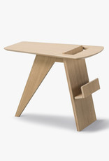 FREDERICIA Risom magazine table by Jens Risom | Lacquered oak