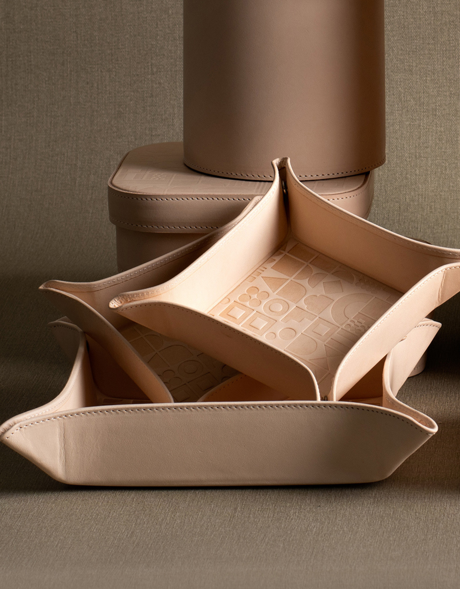 Large Embossed Tray by Carl Cavallius for Palmgrens | Natural leather