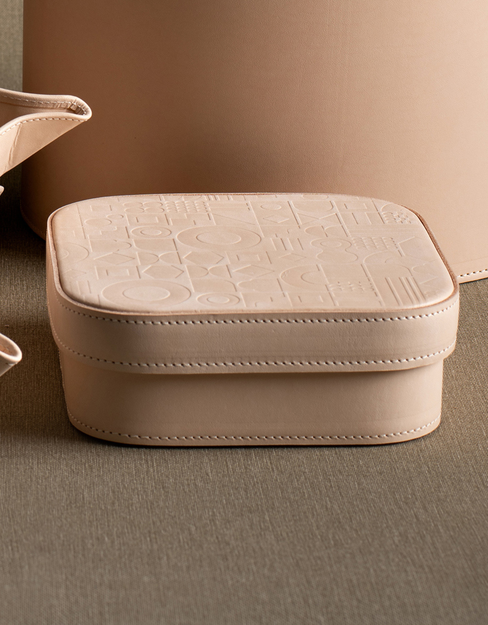 Medium Leather Embossed Box by Carl Cavallius for Palmgrens | Undyed leather