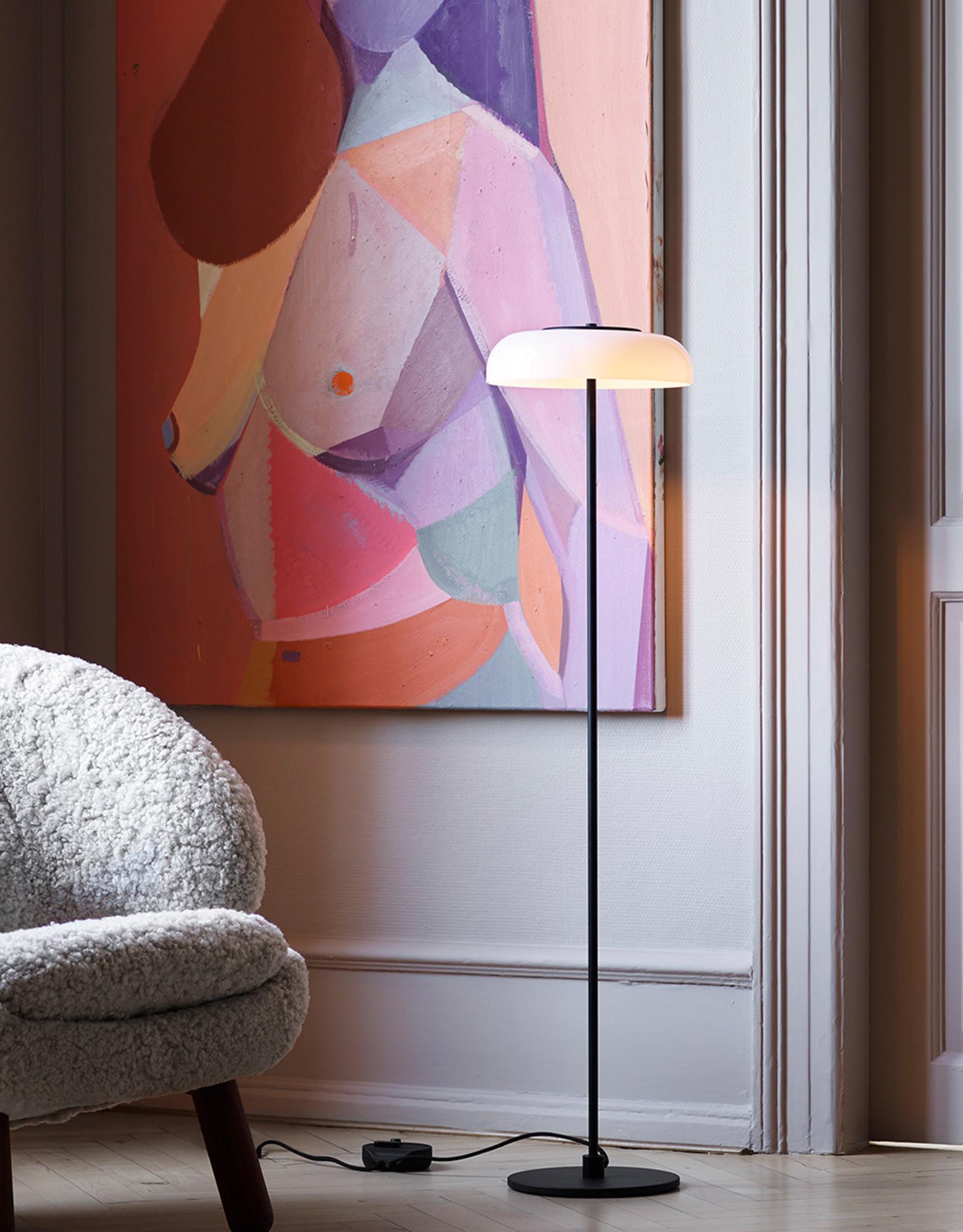 Blossi floor light by Sofie Refer | Black/opal white