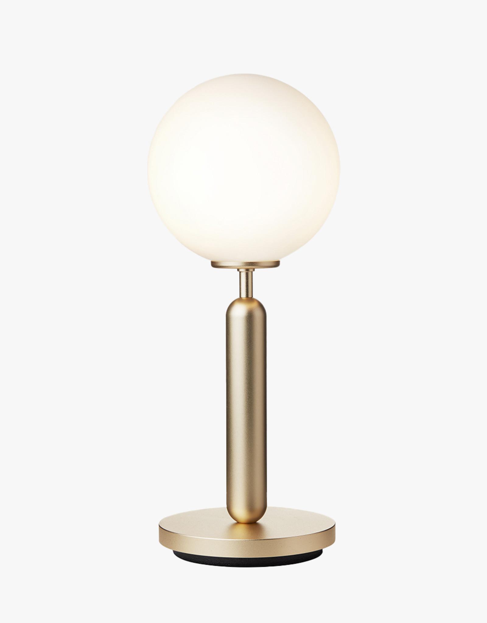 Nuura Miira table light by Sofie Refer | Brass/opal white