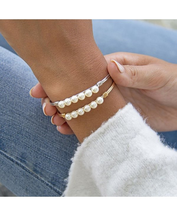 Crystal Pearl Bangle Bracelet Classic White in Gold