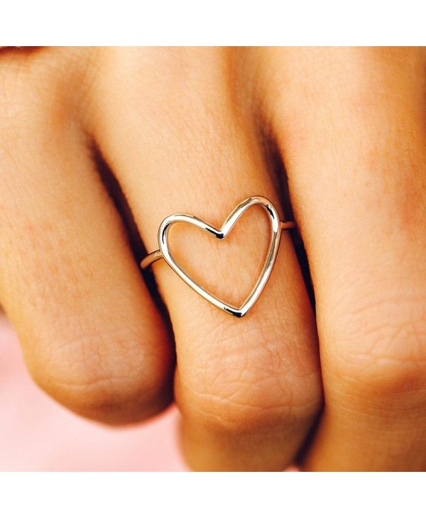Statement Heart Ring in Silver