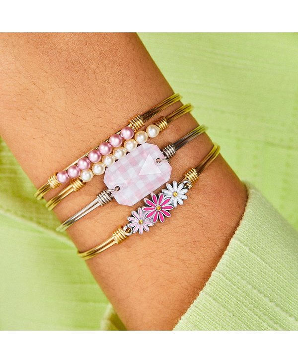 Pink Ombre Daisies Bangle Bracelet in Gold