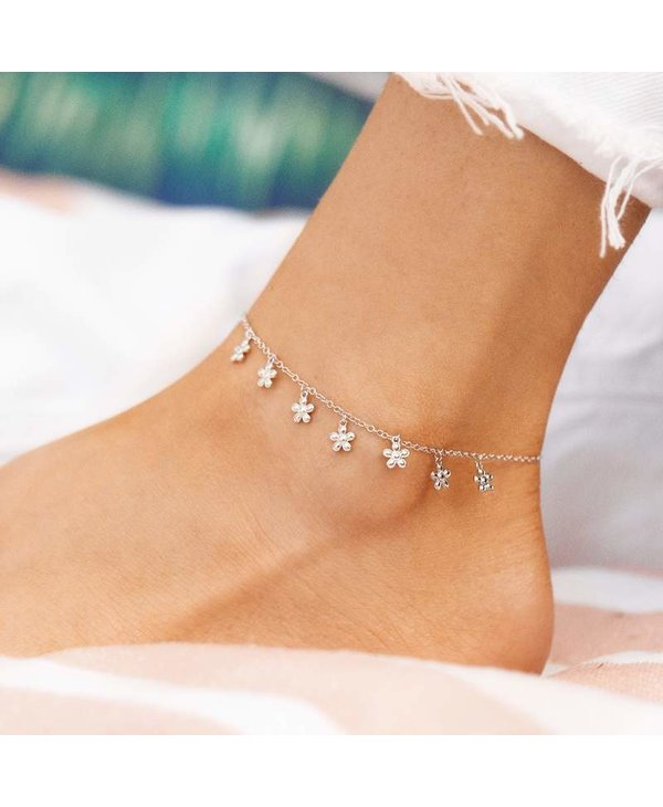 Bitty Daisies Anklet in Silver