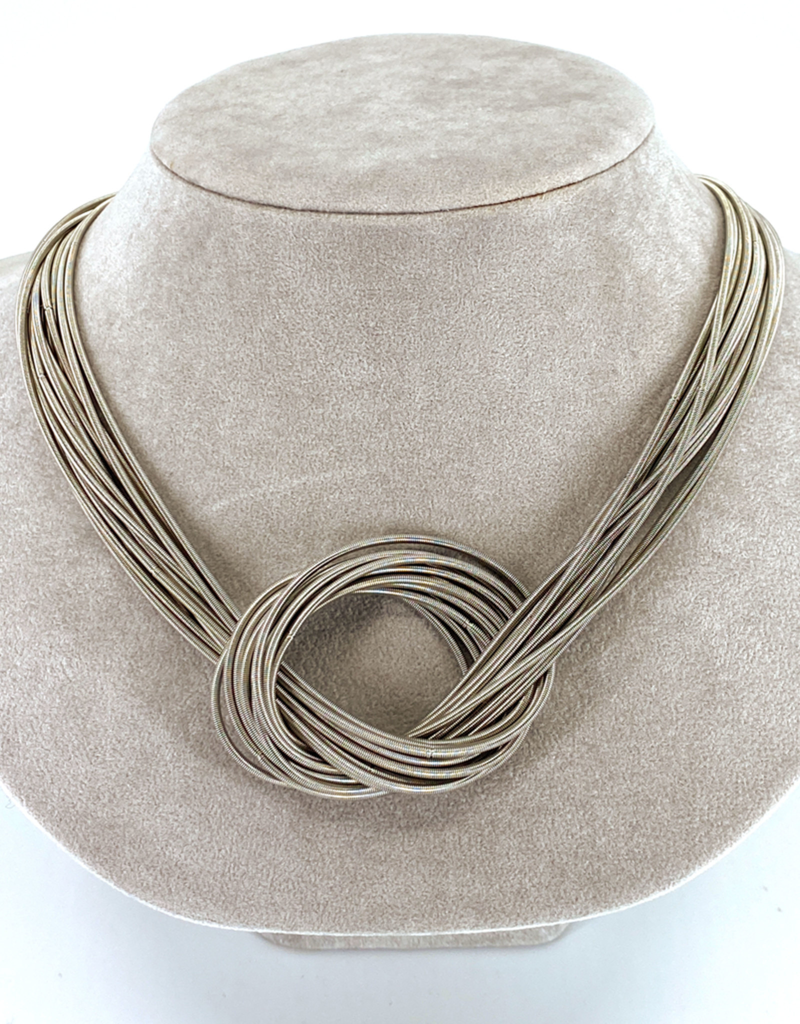 SEA LILY PIANO WIRE KNOT NECKLACE