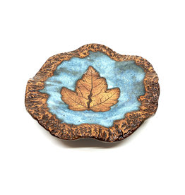 DIRTY DOG POTTERY MEDIUM BLUE LEAF DISH