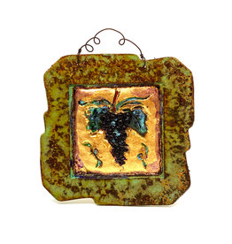 PAPER & STONE SMALL GRAPES WALL PLAQUE