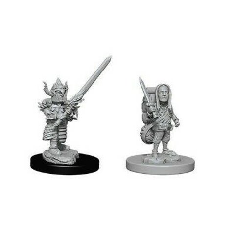 DND UNPAINTED MINIS: MALE HALFLING FIGHTER