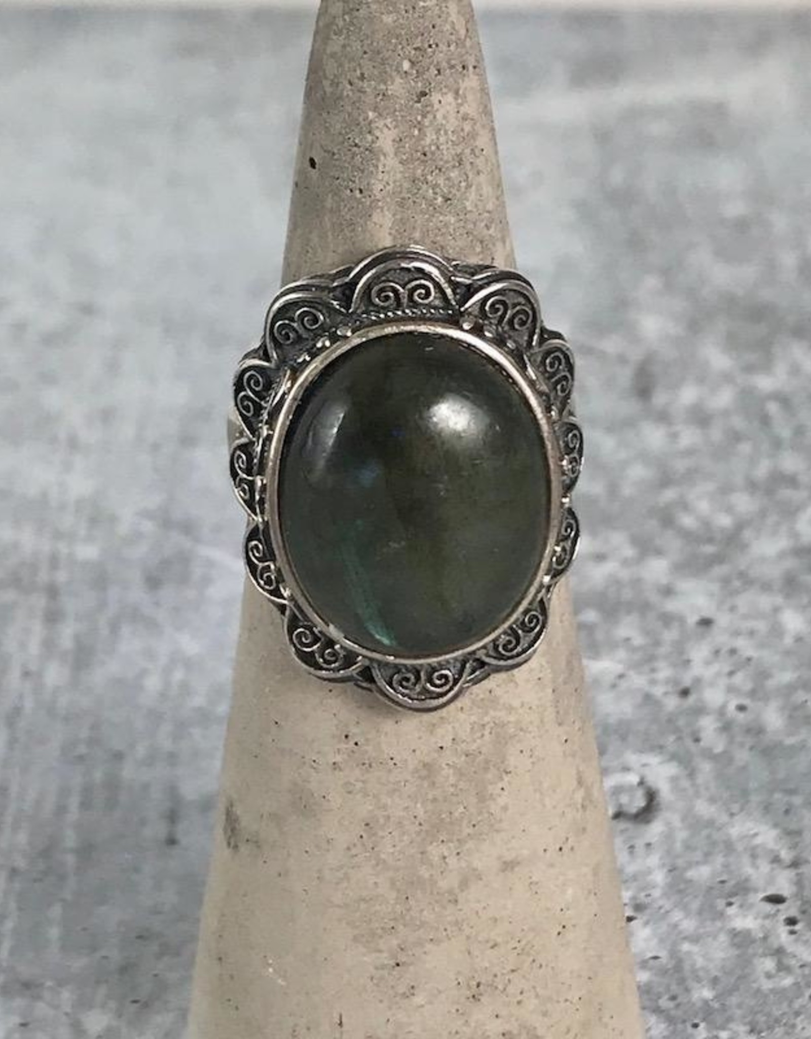 TigerMtn Sterling Silver Ring with Large bezel set Labradorite stone, Size 8