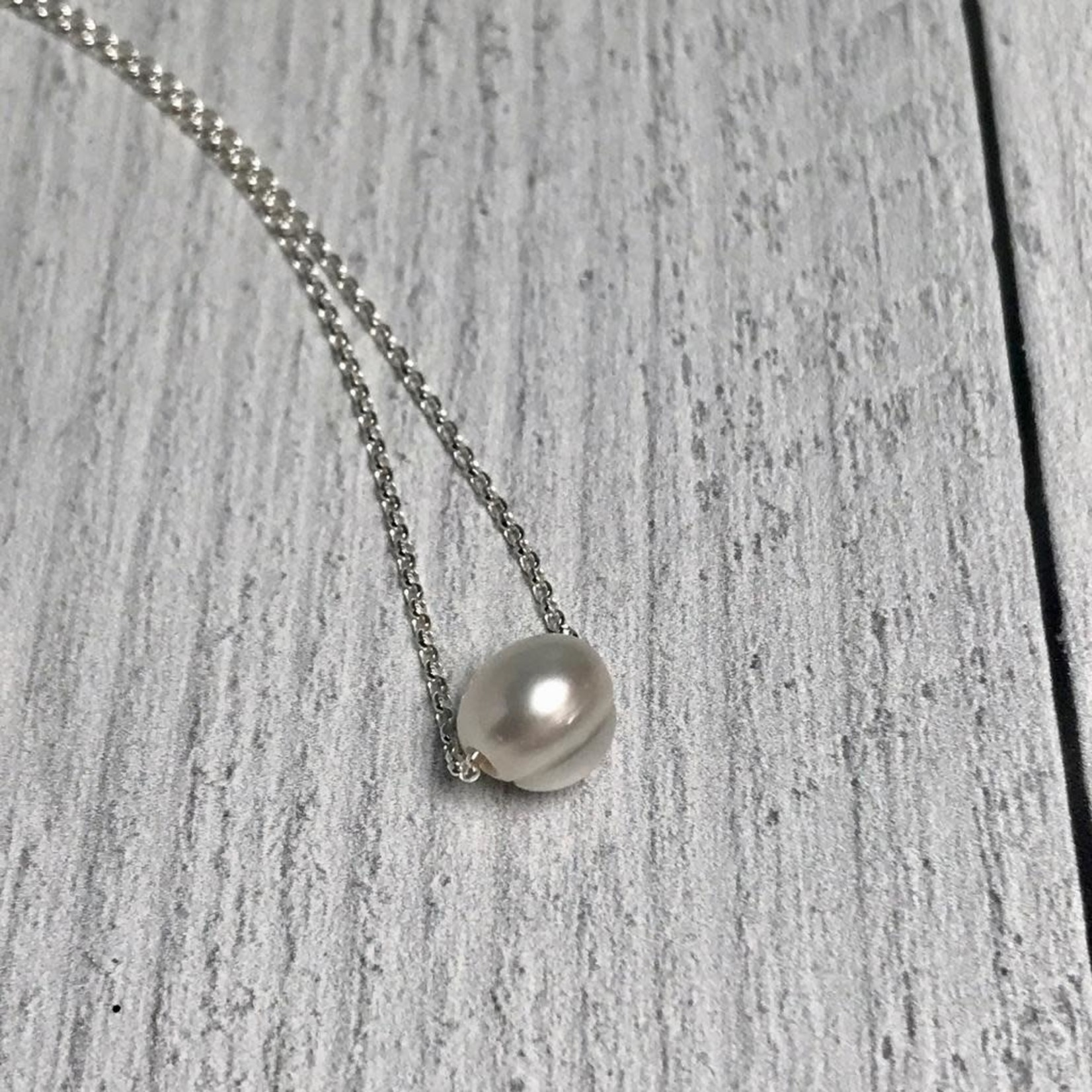Handmade Sterling Silver Necklace with white pearl, shiny
