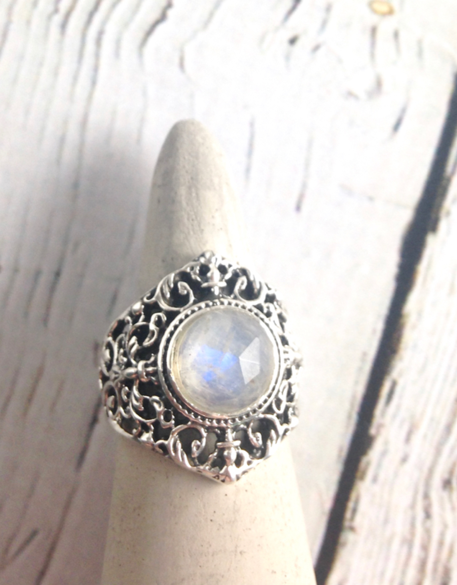 TigerMtn Sterling Silver Ring with Round Faceted Moonstone, Size 7