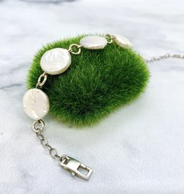 Handmade Sterling Silver Bracelet with 5 white coin pearls, shiny silver rings