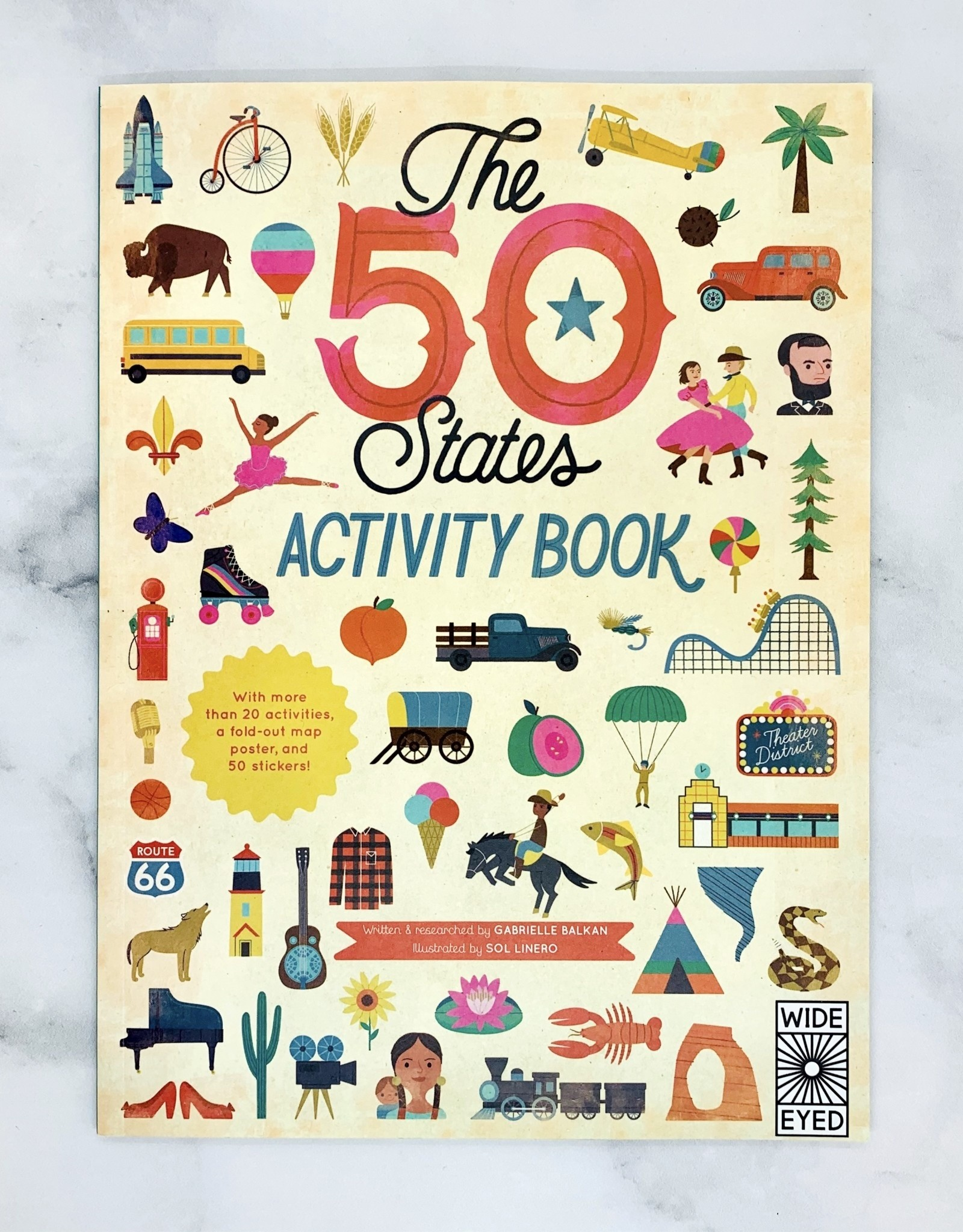 Quarto 50 States: Activity Book