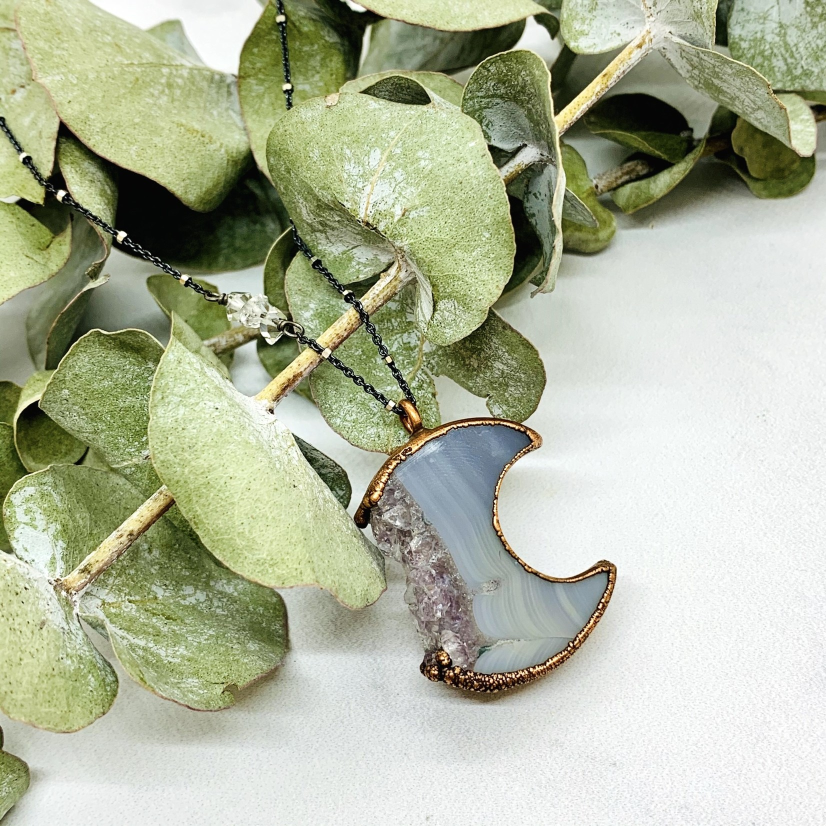 """Agate Slice Crescent Moon Pendant on 24"""" Sterling Silver Satellite Chain"""