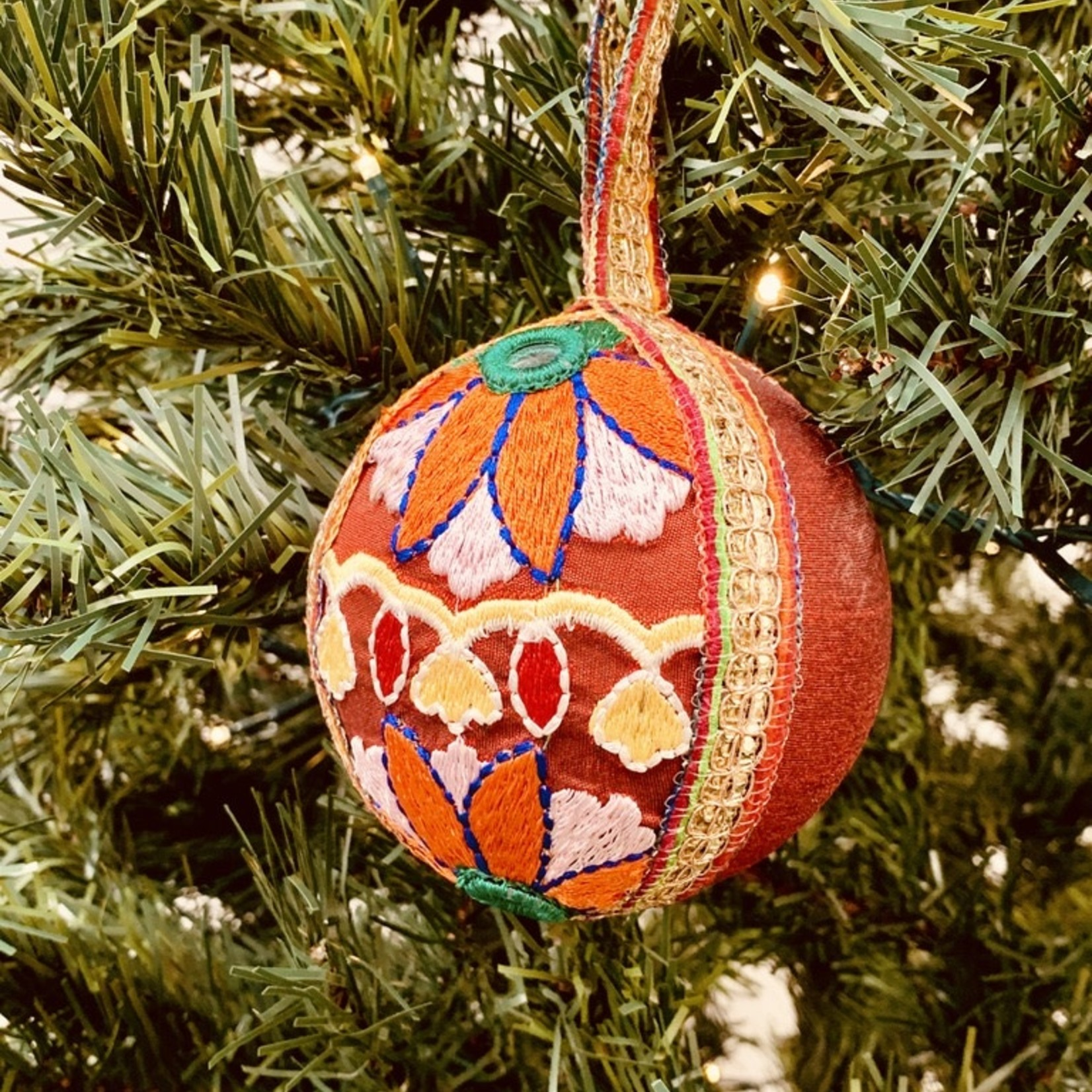 """4"""" Round Fabric & Ribbon Embroidered Ball Ornament"""