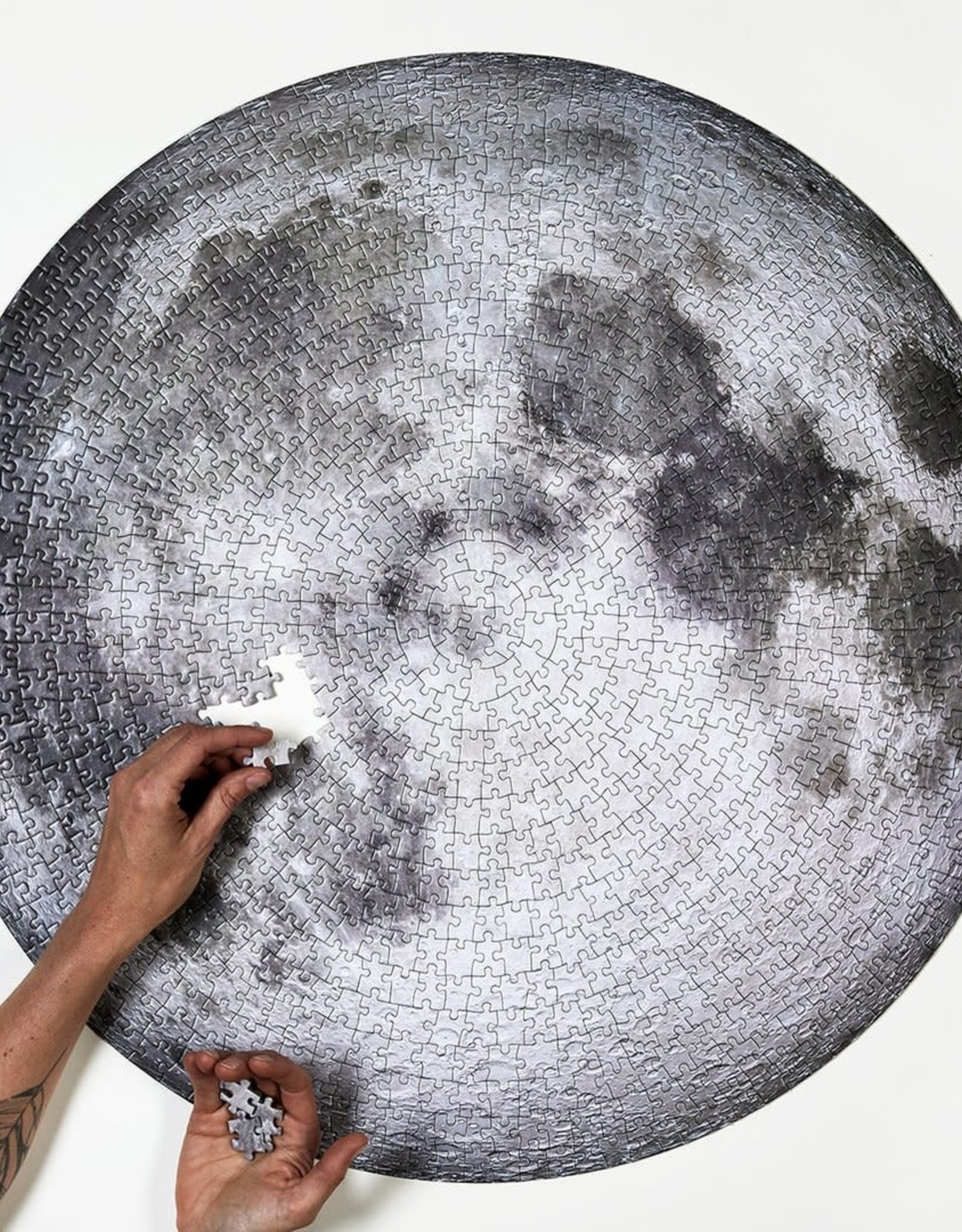 The Moon - Round Puzzle