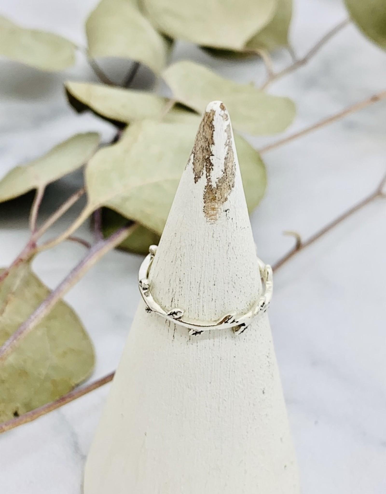 Tiny Alternating Leaves Ring