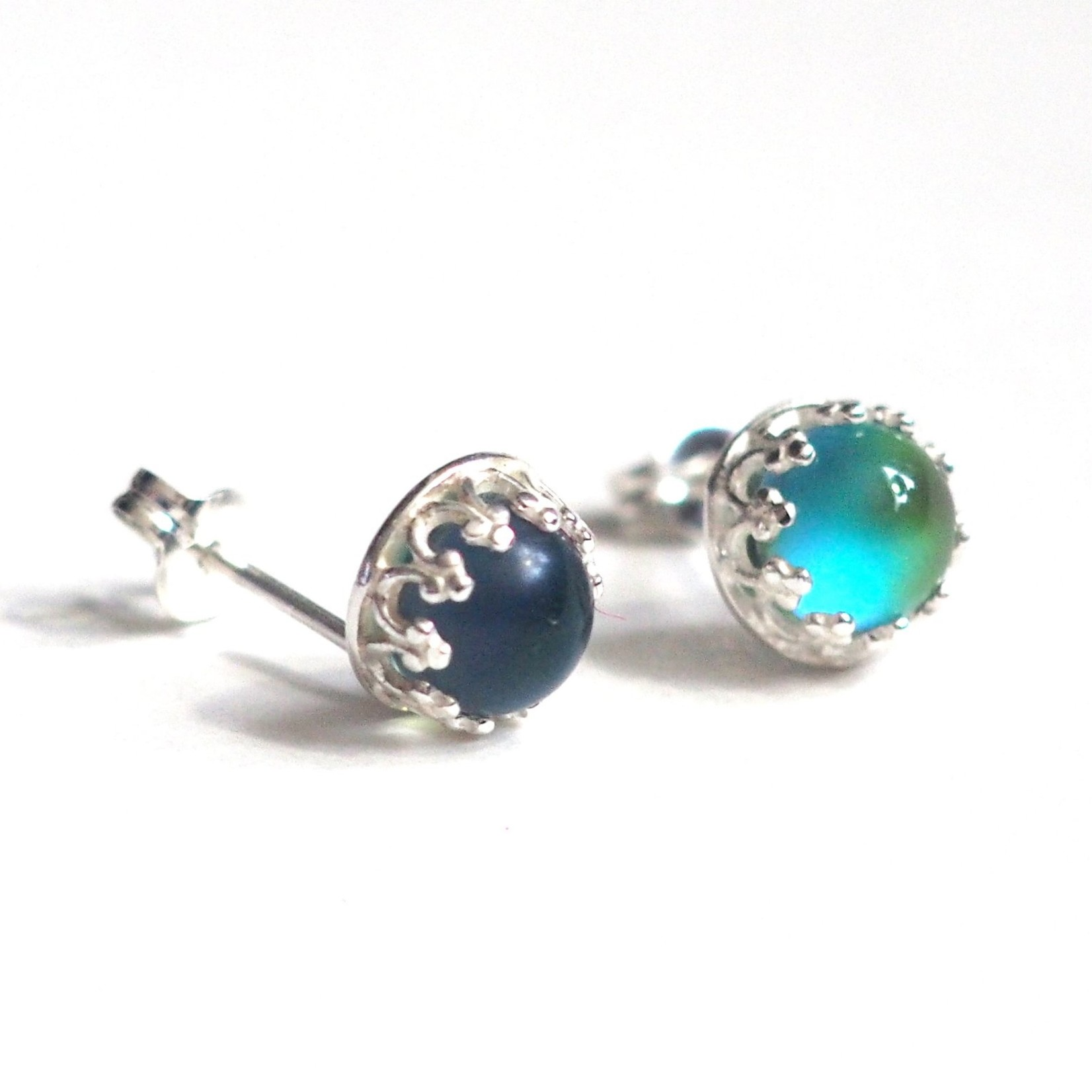 Proteales Mood Stone Stud Earrings, SS