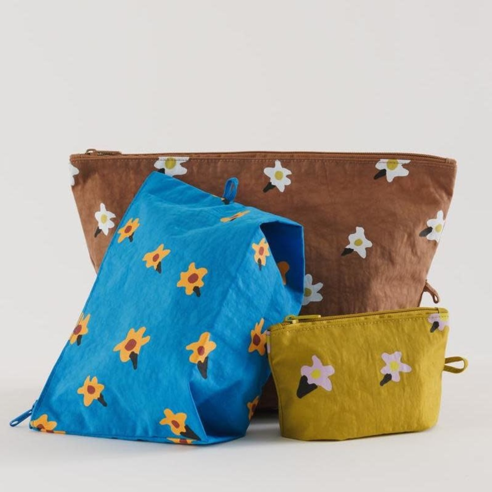 Painted Daisy Go Pouch Set