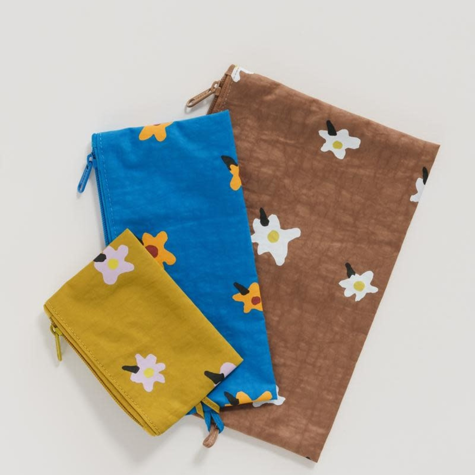 Painted Daisies Flat Pouch Set