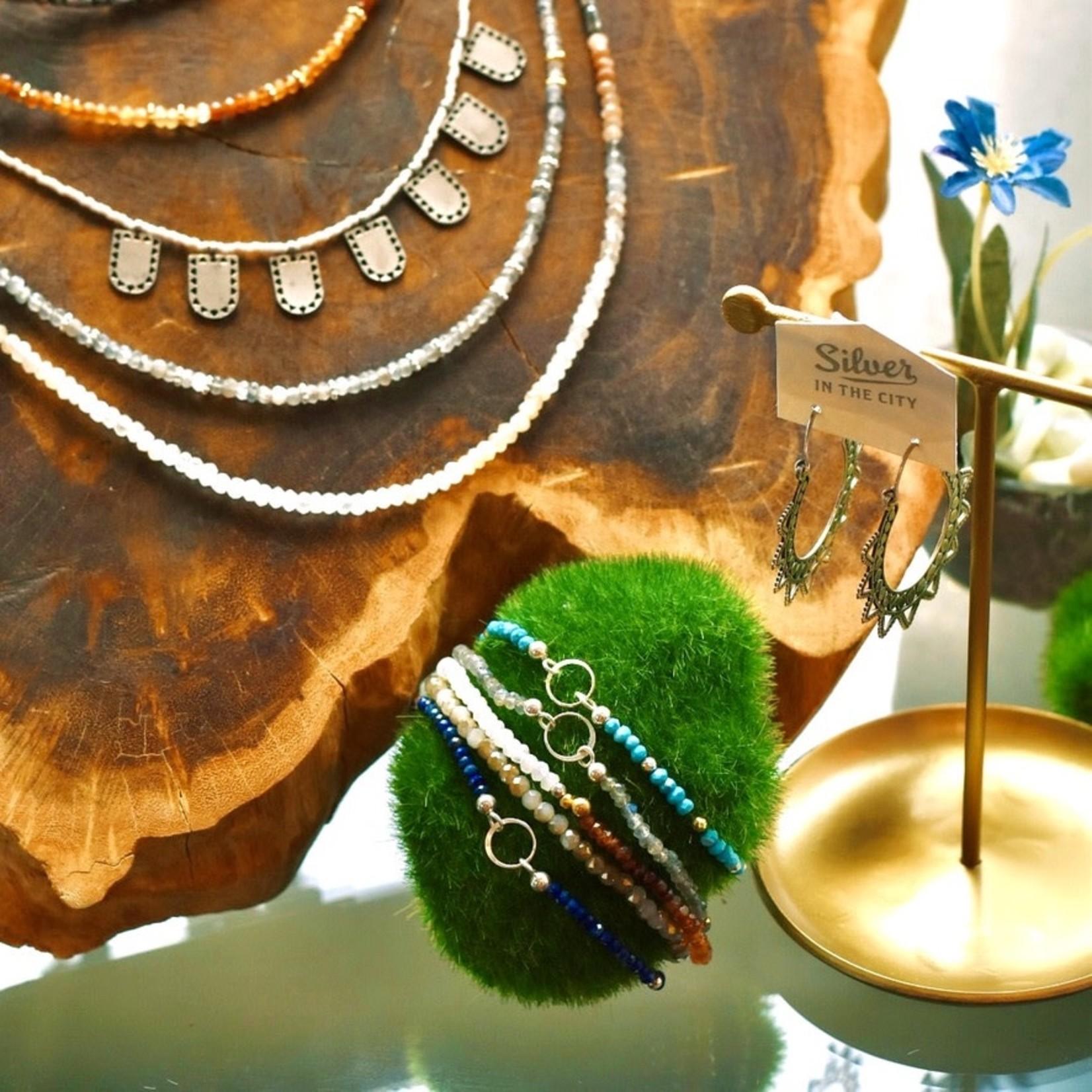 "4.25""L x 3.5""W x 5.5""H Antique Brass Finish Jewelry Stand"