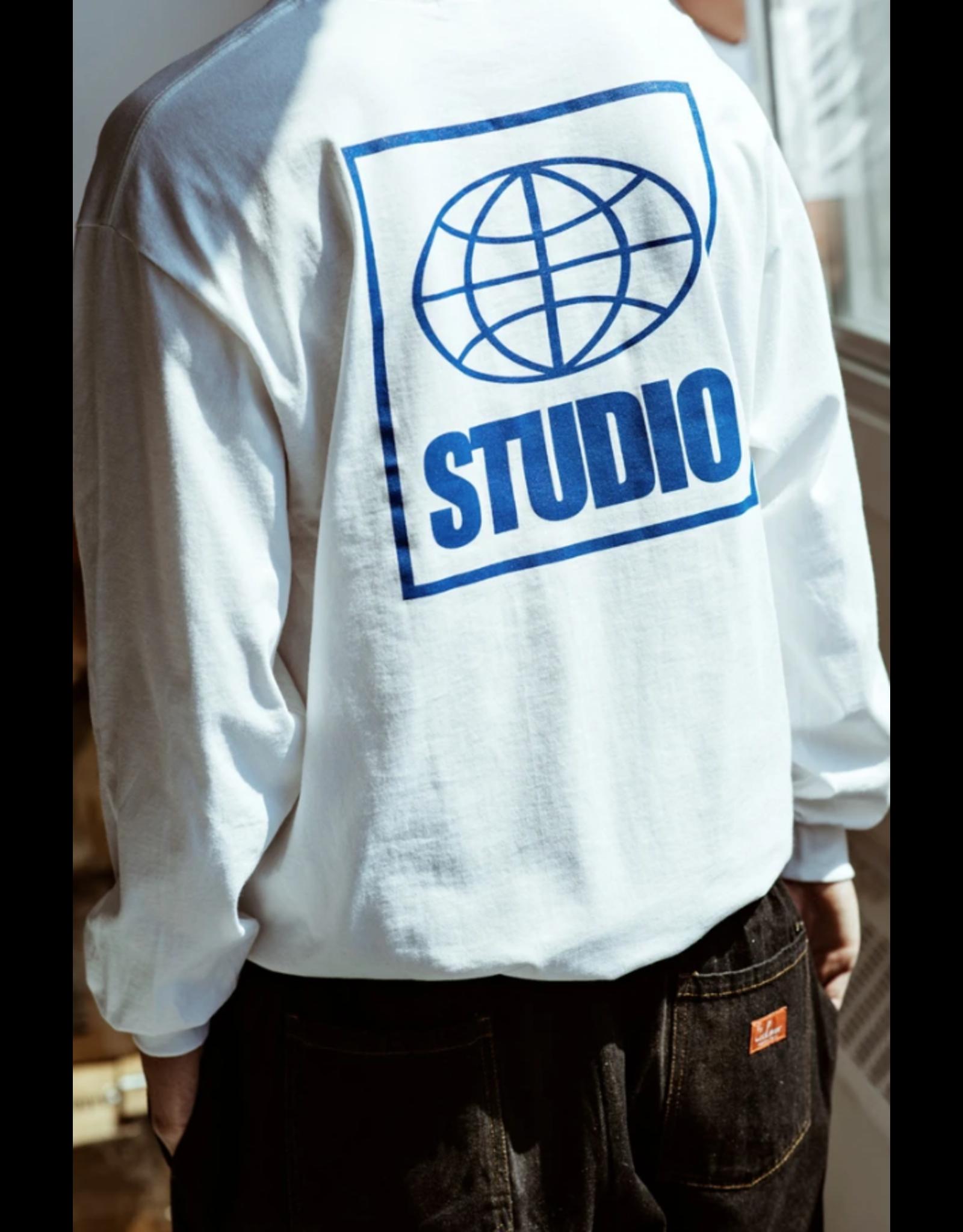 Studio Global Longsleeve - White