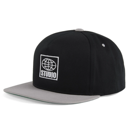Studio Global Snapback - Black/Grey